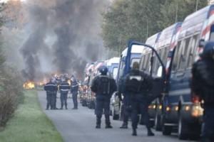 Notre_Dames_des_Landes_ZAD_eviction_expulsion-400x267